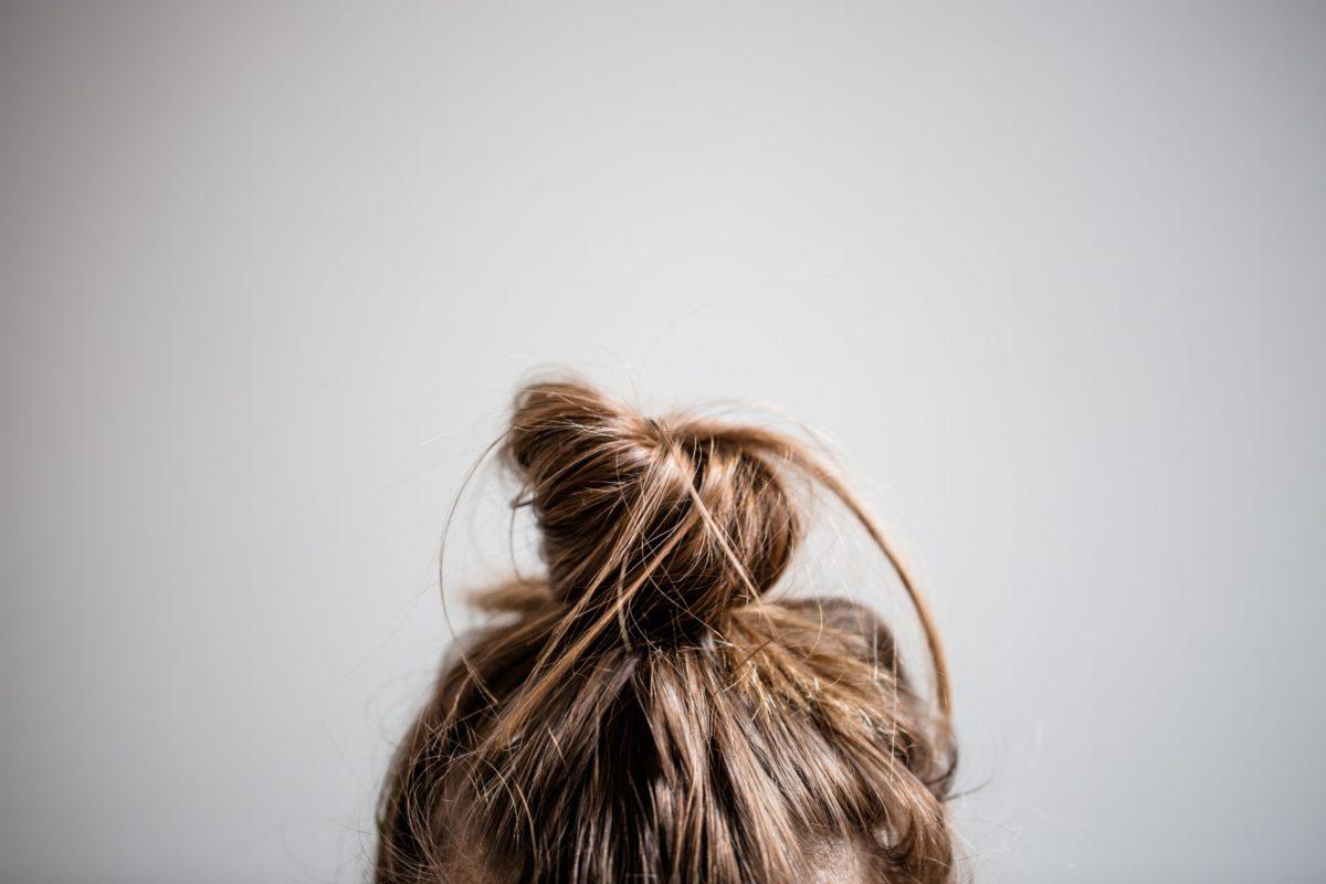 Ispadanje Kose Hair In Messy Bun